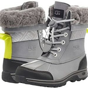 Ugg Youth Butte Grey New With Box